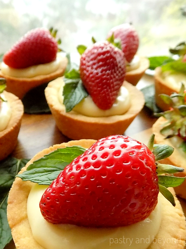 Cookie Cups with Strawberry, Fresh Mint and Pastry Cream